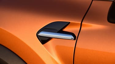 Renault Captur - side detail