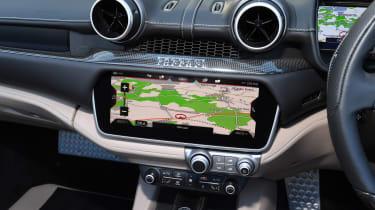 Ferrari Portofino - navigation