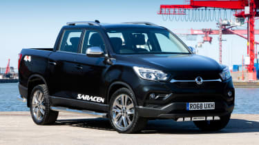 SsangYong Musso Saracen - front