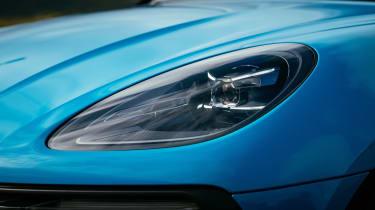 Porsche Macan 2.0 - headlight