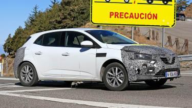 Renault Megane facelift spy shots driving