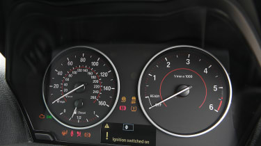 Used BMW 1 Series - dials