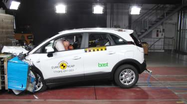 Vauxhall Crossland X - Frontal Offset Impact test