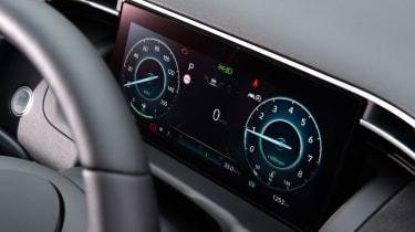 Hyundai Tucson MHEV - dials