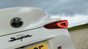Toyota Supra - brake lights
