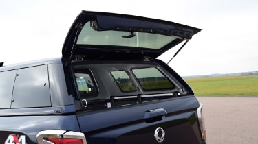 SsangYong Musso - boot hatch