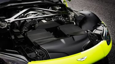 Aston Martin Vantage - engine
