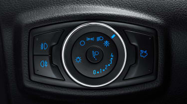 Ford Ka+ Active - light button