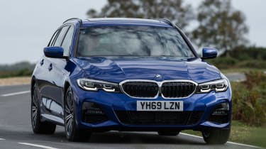 BMW 320d xDrive Touring - front cornering