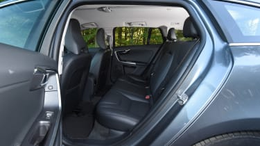 Volvo V60 D5 Twin Engine - rear seats