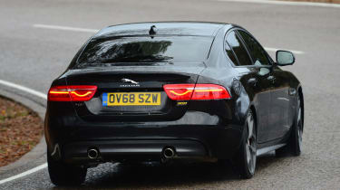 Jaguar XE 300 Sport - rear cornering