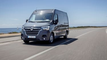 2019 Renault Master driving front