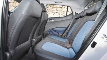 Hyundai i10 1.2 Premium rear seats