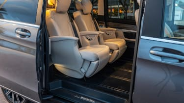 Mercedes V-Class - door open