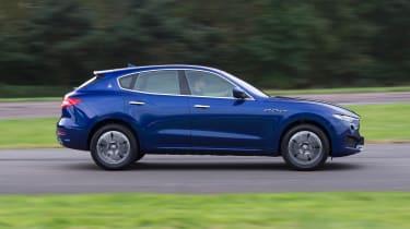 Maserati Levante - side tracking