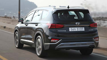 New Hyundai Santa Fe - rear action