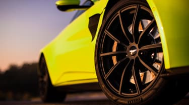 Aston Martin Vantage - wheels