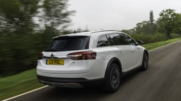 Vauxhall Insignia Country Tourer rear action