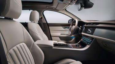 Jaguar XF Sportbrake - front seats