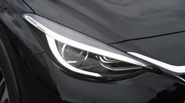 Infiniti Q30 Sport AWD 2016 - headlight
