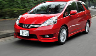 Honda Jazz Shuttle front tracking