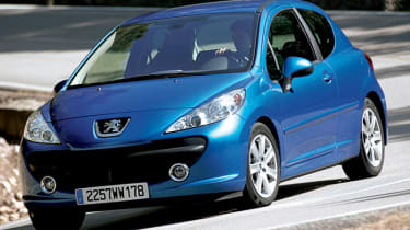 Front view of Peugeot 207