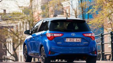 Toyota Yaris Hybrid Bi-Tone - rear action