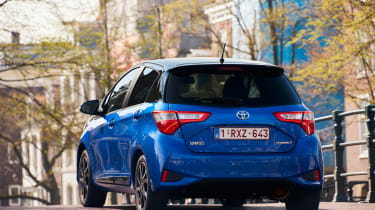 Toyota Yaris Hybrid Bi-Tone - rear action