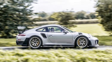 Porsche 911 GT2 RS - side