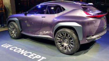Lexus UX - paris side 2