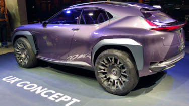 Lexus UX - paris side 2