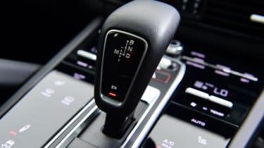Porsche Cayenne Coupe - gear lever