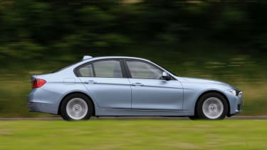 BMW 3 Series - track spyshot side/rear