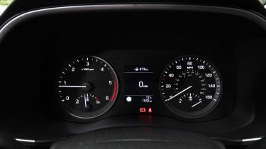 Hyundai Tucson - dials