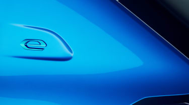 Peugeot e-208 - e badge