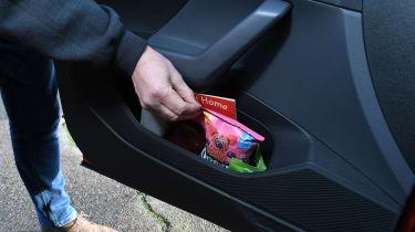 Volkswagen T-Cross 1.0 TSI - long termer first report door bins