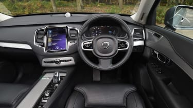 Volvo XC90 T8 - dash