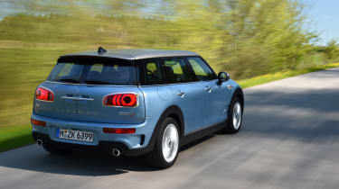 MINI Clubman ALL4 2016 - rear tracking