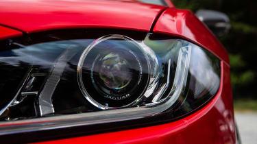 Jaguar XE 300 Sport - front light