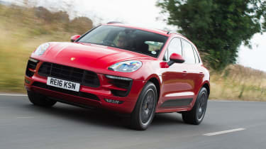 Porsche Macan GTS UK - tracking