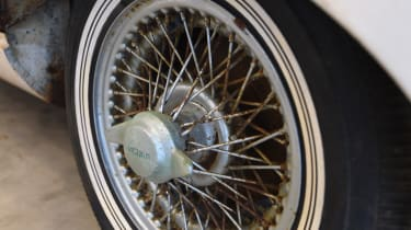 Jaguar E-Type front wire wheels
