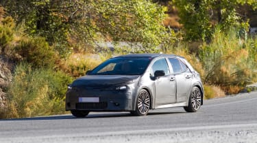 New Toyota Auris spied front side