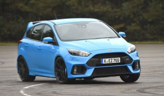 Ford Focus RS 2016 - cornering