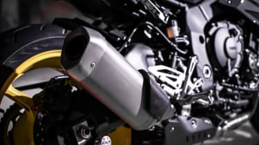 Yamaha MT-10 review - exhaust