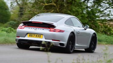 Porsche 911 GTS - rear cornering