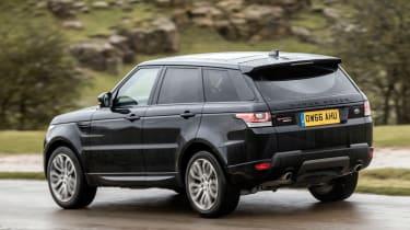 Range Rover Sport HSE MY2017 - rear cornering