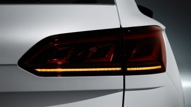 Volkswagen Touareg - rear light