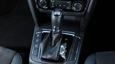 Skoda Superb Estate - gear lever