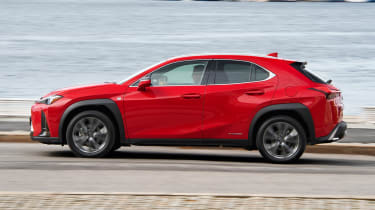 Lexus UX - side