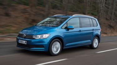 Used Volkswagen Touran - front action